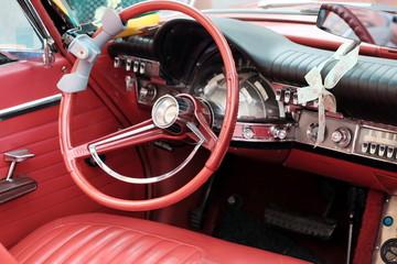 Acrylic Prints Old cars Interieur einer amerikanischen Limousine der Fünfzigerjahre