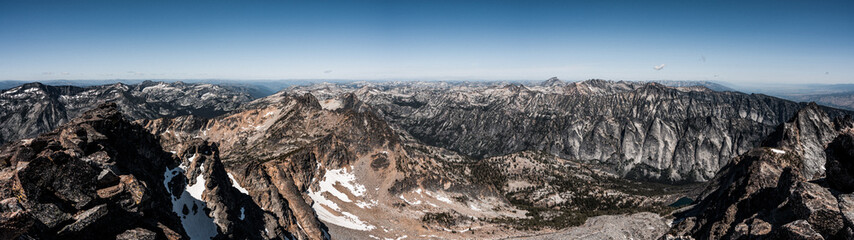 Fototapete - Beautiful views from the summit of Trapper Peak in the Bitterroot Mountains of Montana.