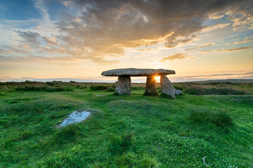 Wall Mural - Beautiful sunset over Lanyon Quoit