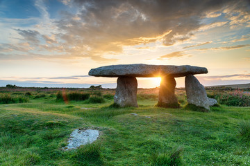 Wall Mural - Stunning sunset over Lanyon Quoit near the village of Madron just outside Penzance in Cornwall