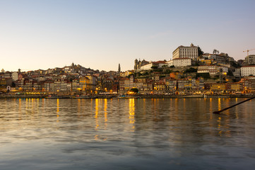 Fototapete - Panoramic view of Porto on sunset