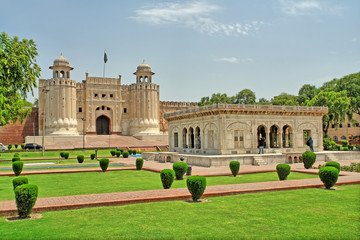 Fototapeta The Alamgiri Gate -  the main entrance to the Lahore Fort in present day Pakistan.