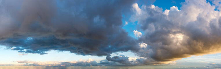 Fantastic soft clouds against blue sky, natural composition - panorama Fotobehang