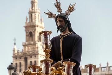 Fototapete - Jesús cautivo en la procesión, semana santa de Sevilla