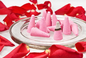 Roses incense cones with flowrers