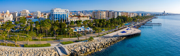 Photo sur Plexiglas Chypre Republic of Cyprus. Limassol. The Seafront Of Limassol. The mediterranean coast. Tourist area with hotels. Panorama of Cyprus on a Sunny day. Rest on the Mediterranean.
