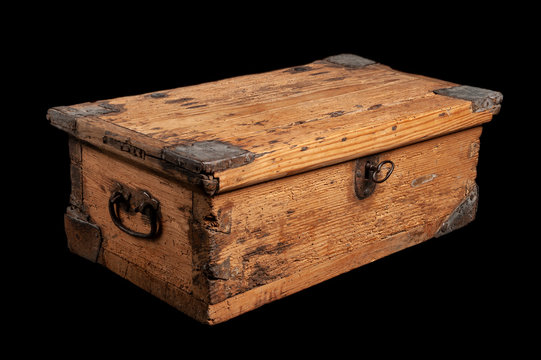 Small wooden vintage treasure chest, closed