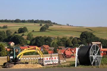 Baustelle  Breitbandausbau in Nordhessen und Deutschaland mit LWL-Kabelabdeckung