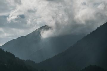 Wall Mural - Berg und Wolken