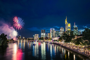 Mainfest mit Feuerwerk in Frankfurt
