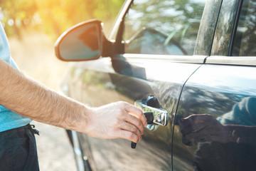hand key in car door