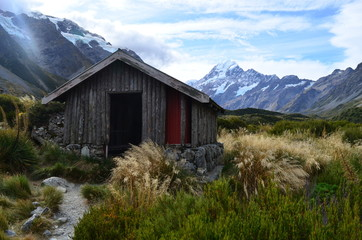 Small hut close to Mount Cook in New Zealand Wall mural