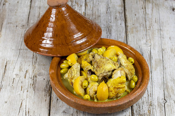 Poster Oliviers tajine de poulet au citron et olives
