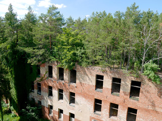 Photo sur Plexiglas Ancien hôpital Beelitz Verfallenes Krankenhaus in Beelitz Heilstätten
