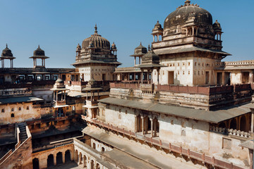 Massive towers of the 17th century Citadel of Jahangir, Orchha in India. Example of mix of Indian and Mughal style in architecture