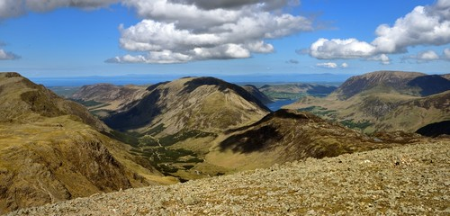 High Stile and High Crag spilting the two valleys