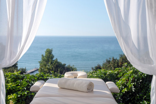 Massage table with sea view