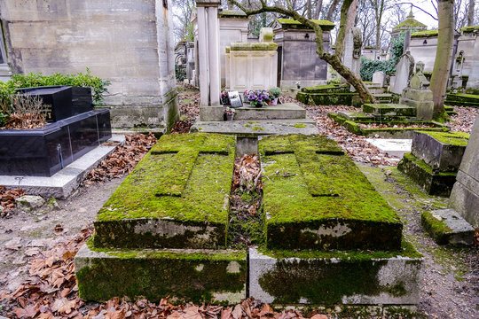 Cimetiere du Pere Lachaise typical french cemetery, Photo image a Beautiful panoramic view of Paris Metropolitan City