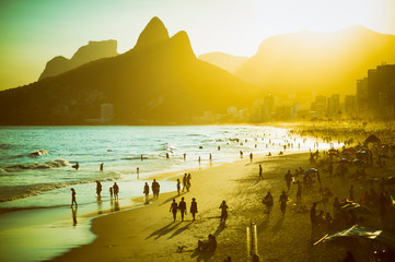 Door stickers Rio de Janeiro Scenic sunset view of Ipanema Beach on a busy summer afternoon in Rio de Janeiro, Brazil
