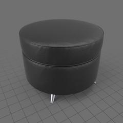 Round pouf