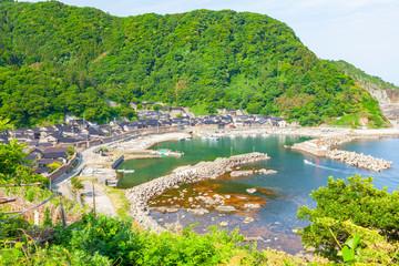 Foto op Plexiglas Lime groen 間垣の里大沢漁港の風景、石川県輪島市大沢町にて