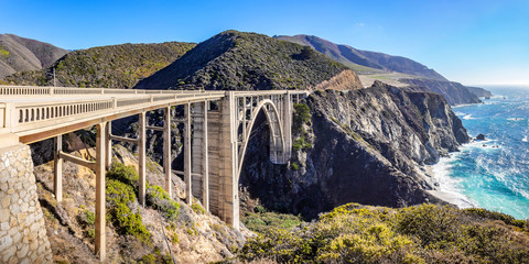 Keuken foto achterwand Cappuccino Bixby Creek bridge at the Pacific highway, California, USA. A landmark bridge on highway 1, the most beautiful road in USA.