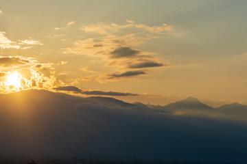 日没頃の北アルプス
