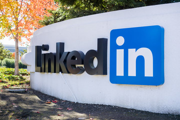 November 17, 2017 Sunnyvale/CA/USA - Large LinkedIn sign at the Sunnyvale offices, Silicon Valley, San Francisco bay area