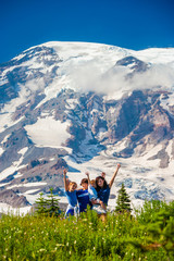 Fototapete - Four children posing for the camera with Mt. Rainier in the background.
