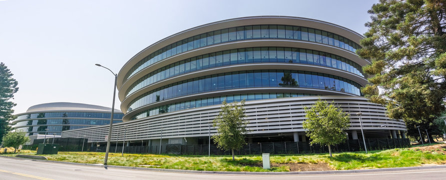 August 9, 2018 Sunnyvale / CA / USA - Modern office buildings in the new Apple Campus 3 (AC3) located in Silicon Valley, south San Francisco bay area
