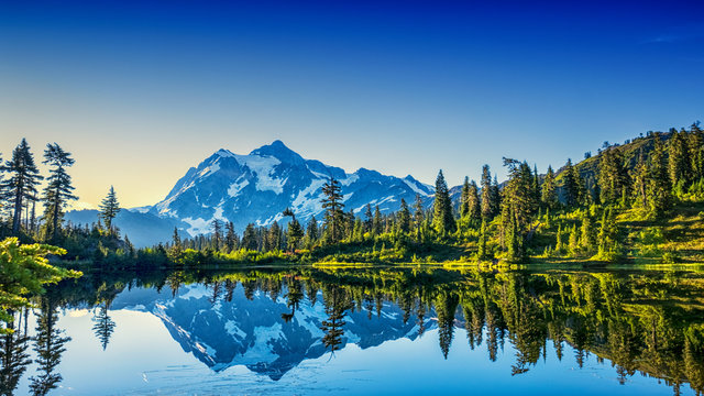 Sunrise of Picture Lake with view of Mt Shuksan