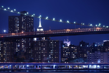 Etiqueta Engomada - Tiers of bridges over the bay and night skyscrapers. New York. night photo. USA.