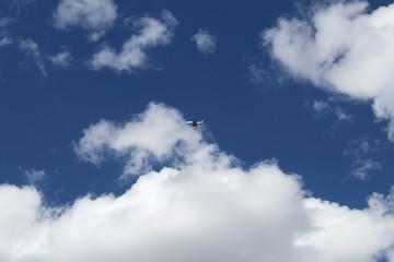El maravilloso cielo azul, y las nubes