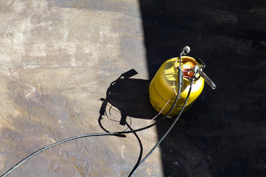 lança-chamas a gás com botijão para vedação impermeabilizante de concreto