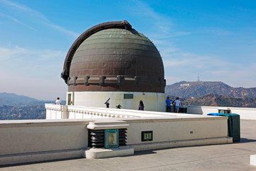 Los Angeles, USA, Griffith Observatory.  The Observatory is located on the southern slope of mount Hollywood in Los Angeles Griffith Park.There is a planetarium for 290 seats. Fototapete