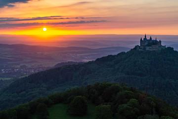 Burg Hohenzollern im Sonnenuntergang