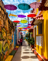 Acrylic Prints Narrow alley Cartagena - Colombia