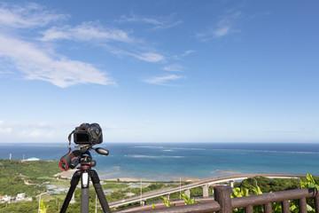 沖縄の海と空 カメラでの撮影風景
