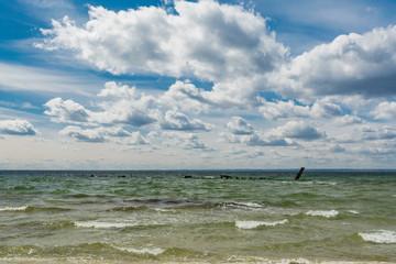 Zatoka wraków, ORP Wicher, ORP Grom, na helu
