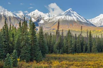 Canada, Yukon Territory, Kluane National Park. Landscape with St. Elias Range. Credit as: Don Paulson / Jaynes Gallery / DanitaDelimont.com