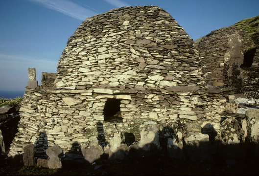 Ireland, Skellig Michael Island, Celtic Stone beehive huts from 6th century, World Heritage Site
