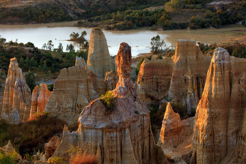 Foto op Canvas Turkije Earth Forest of Yuanmou in Yunnan Province, China - Exotic earth and sandstone formations glowing in the sunlight. Naturally formed pillars of rock and clay with unique erosion patterns. China Travel