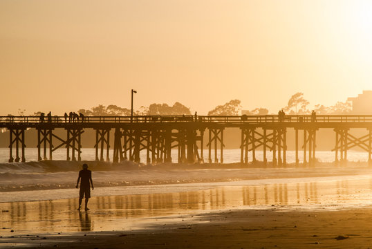 USA, California, Santa Barbara County, Goleta Beach County Park, off Sandspit Rd, pier at sunset