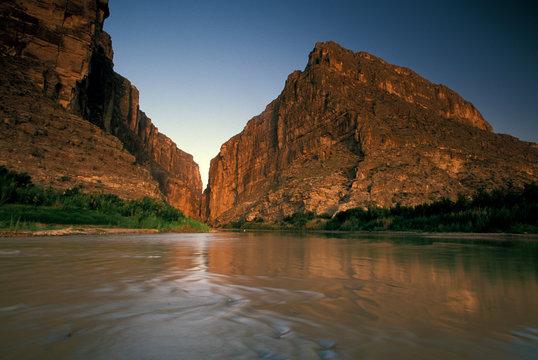 North America, USA, Texas, Big Bend National Park. Rio Grande