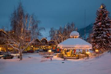 WA, Leavenworth, Bavarian style village, Gazebo and City Park, decorated with holiday lights