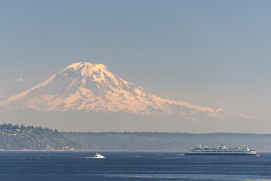 USA, Washington State, View of Mount Rainier beyond West Seattle and Alki Beach.