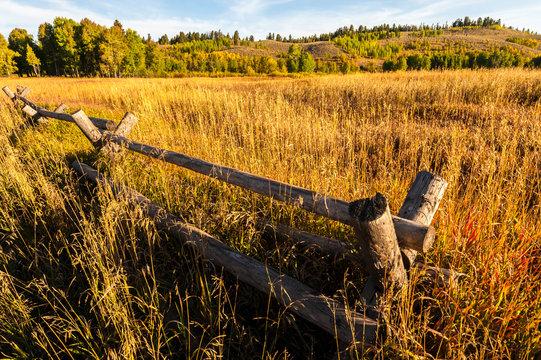 USA, Wyoming, rustic, autumn, fall