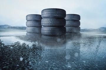 Autoreifen Stapel auf nasser Fahrbahn