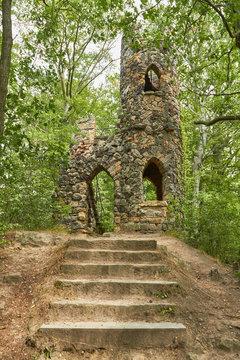 Nachbau einer alten Burgruine in der Sächsischen Schweiz.