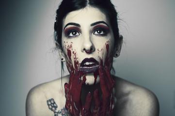ragazza sangue cannibale